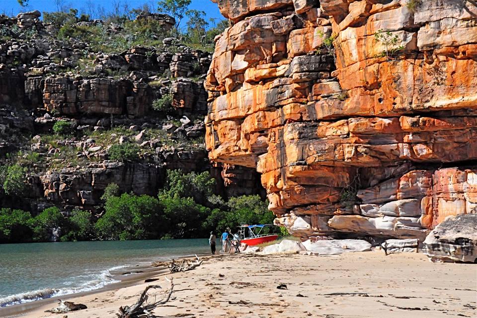 Geoff Simmons' trip to Faraway Bay – 2013