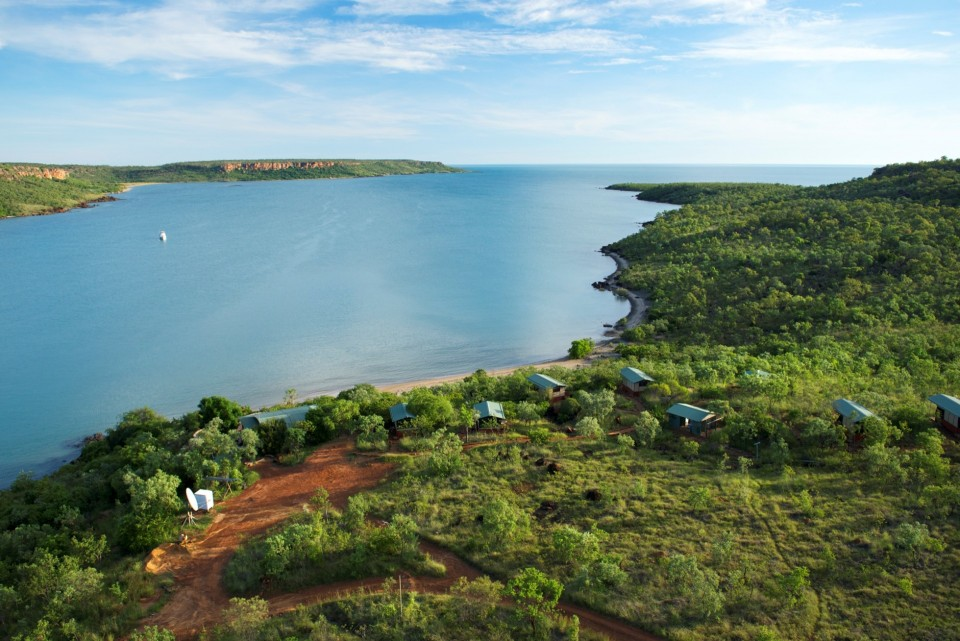 s-53-private-cliff-top-wilderness-cabins-a